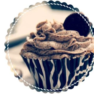 delicious oreo cupcake recipe with cream frosting